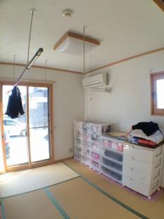 「漆喰」の調湿機能を活かし、和室をドライルーム(室内干しの部屋)にリフォームしました