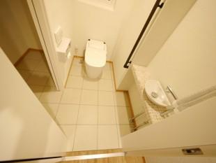 自慢のサニタリー ペットトイレも隣に用意しました。 (もちろんドアで仕切れます)
